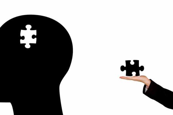 Триггер знакомой экспозиции: как рынок манипулирует нашим доверием